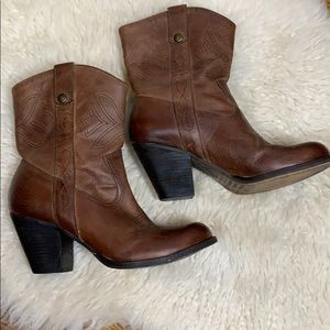 Gianni Bini Ankle Boots Size 8.5  Leather